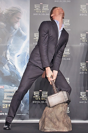 Thor: The Dark World press conference at Conrad Hotel on October 14, 2013 (Seoul, South Korea)