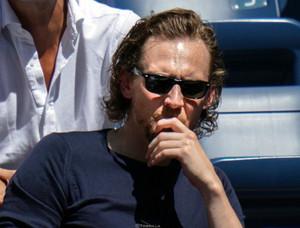 Tom Hiddleston at the US Open (September 2019)