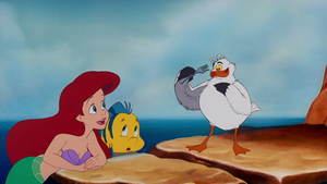 Walt disney Screencaps – Princess Ariel, menggelepar & Scuttle