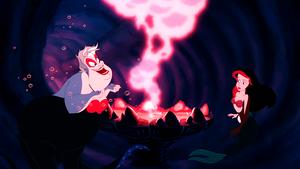 Walt 迪士尼 Screencaps – Ursula & Princess Ariel