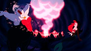 Walt Дисней Screencaps – Ursula & Princess Ariel