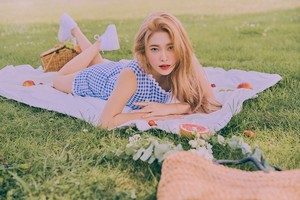 Yeri is a goddess in individual teaser Обои for 'The ReVe Festival: день 2'