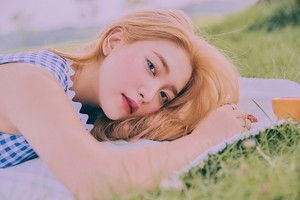 Yeri is a goddess in individual teaser images for 'The ReVe Festival: Day 2'