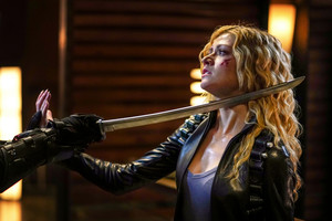 "Arrow 8x03 - ""Leap of Faith"" promotional stills"
