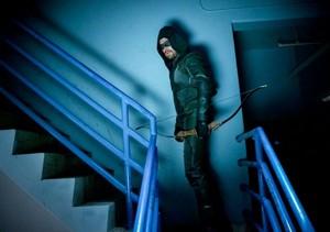 Arrow - Episode 8.01 - star, starling City - Promo Pics