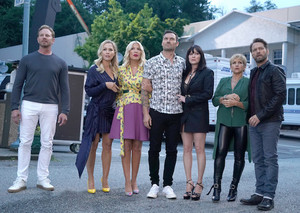 BH90210 - Episode 1.04 - The meza, jedwali Read - Promotional picha