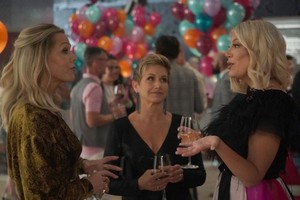 BH90210 - Episode 1.06 - The Long Wait - Promotional foto