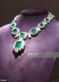 Bulgari smaragd And Diamond halskette