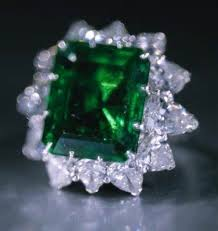 Bulgari zamrud, emerald And Diamond Ring
