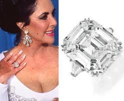 Diamond Ring Worn 由 Elizabeth Taylor