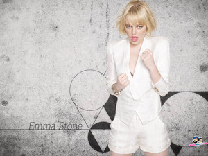 EMMA STONE FIGHTING FAKE Фаны SQUALL 1982