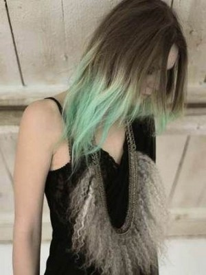Green ombre, brown, mint 💚 Hair color ideas 💙