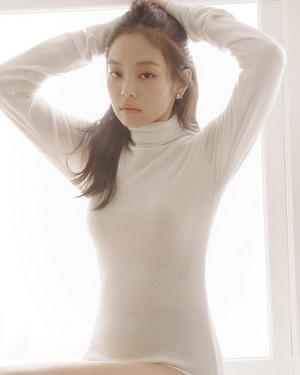 JENNIE FOR ELLE KOREA