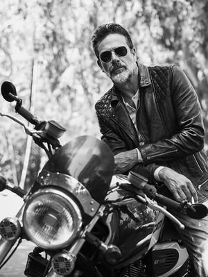 Jeffrey Dean morgan - Esquire Mexico Photoshoot - 2016