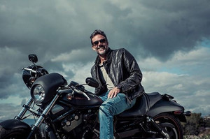 Jeffrey Dean morgan - New York Moves Photoshoot - 2015