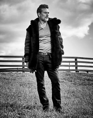 Jeffrey Dean मॉर्गन - Sharp Magazine Photoshoot - 2015