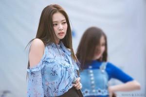 Jennie/Jisoo❤️🌸