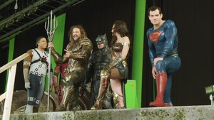 Justice League (2017) Behind the Scenes - Fisher, Momoa, Affleck, Gadot and Cavill