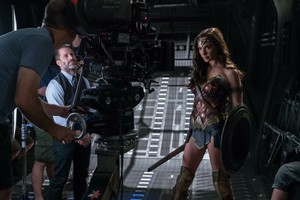 Justice League (2017) Behind the Scenes - Zack Snyder and Gal Gadot