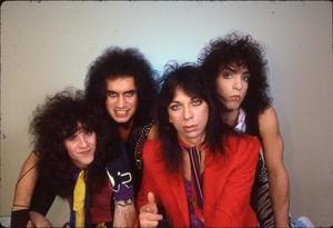 吻乐队(Kiss) ~Essen, West Germany...November 11, 1983 (Lick it Up Tour)