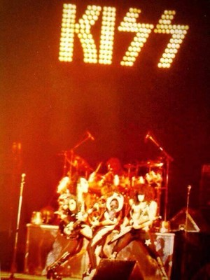 KISS ~Upper Darby, Philadelphia...October 3, 1975 (Alive Tour - Tower Theater)