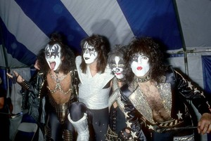 Ciuman ~Valencia, California...May 19, 1978 (Phantom Press Conference - Magic Mountain Amusement Park)