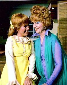 Kathleen Nolan and Agnes Moorehead
