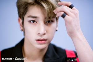 "Lee Hangyul ""FLASH"" promotion photoshoot por Naver x Dispatch"