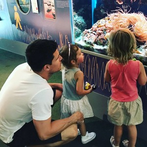 Mavi with her secondo cousin Robbie Amell