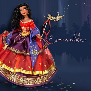 Midnight मास्करेड Designer Collection Esmeralda