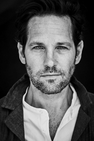 Paul Rudd photographed によって Matthew Brookes for Mr. Porter Magazine (July, 2018)