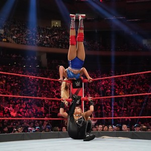 Raw 9/9/19 ~ Lacey Evans vs Natalya