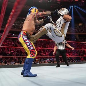 Raw 9/9/19 ~ Rey Mysterio vs Gran Metalik