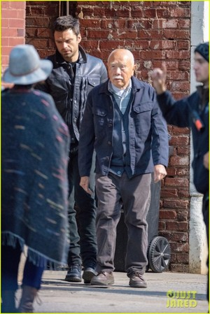 Sebastian Stan on the set of The 鹘, 猎鹰 and The Winter Soldier