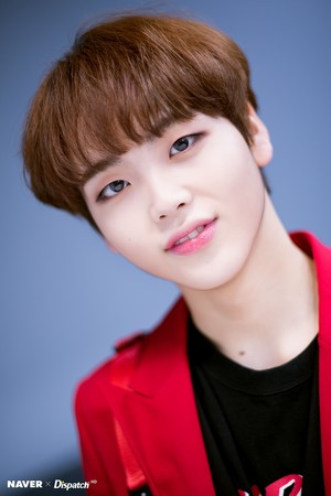 "Song Hyeongjun ""FLASH"" promotion photoshoot sejak Naver x Dispatch"