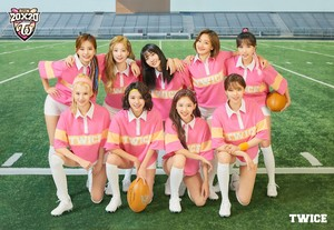 TWICE университет Rugby Team (Season's Greetings Image Teaser)