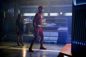 "The Flash 6.01 ""Into the Void"" Promotional Images ⚡️"