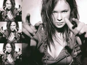 Thora Birch - Crunch Magazine Photoshoot - 2003