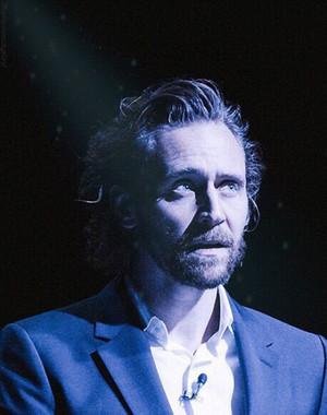 Tom Hiddleston narrates Dead Poets Live The Broken Word (2018)
