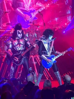 Tommy and Gene - Kiss KRUISE IX ~November 2, 2019 (electric show)
