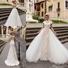 Wedding Dress With A Full overrok, overskirt