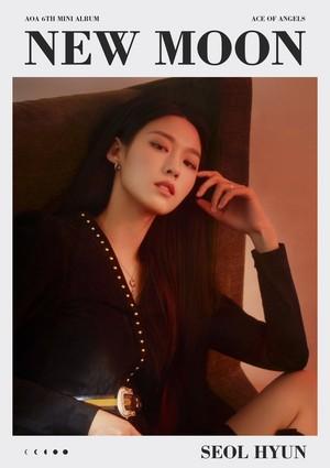 'New Moon' veste teaser images of Seolhyun