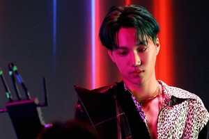 'Obsession' MV Behind photo 📸 KAI