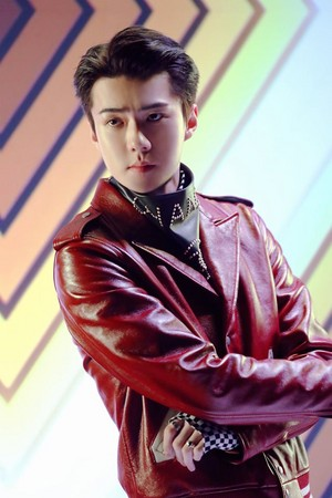 'Obsession' MV Behind photo ?? SEHUN