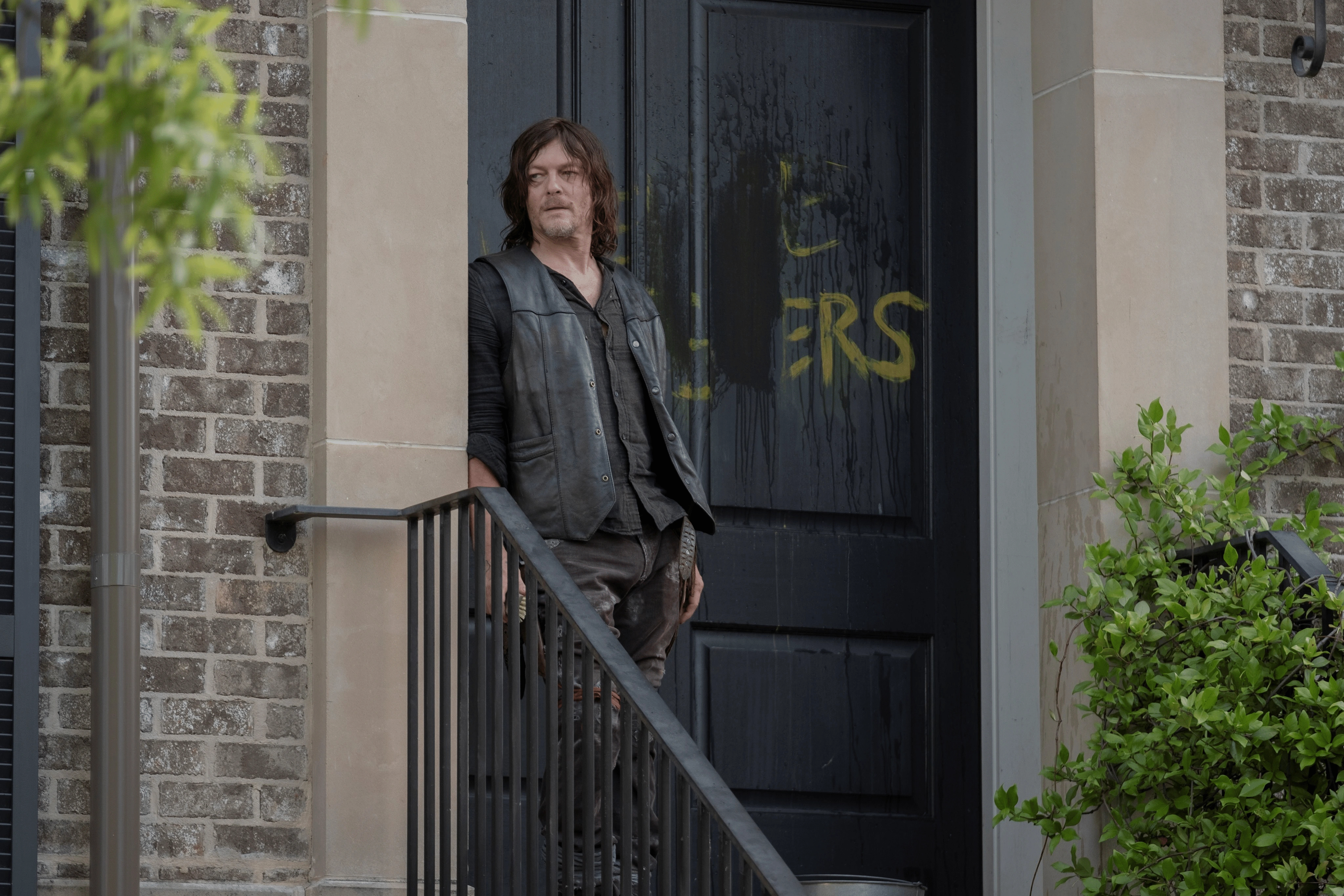 10x04 ~ Silence the Whisperers ~ Daryl