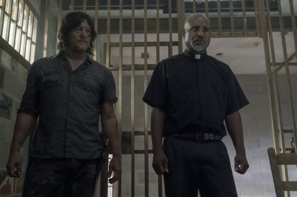10x07 ~ Open Your Eyes ~ Daryl and Gabriel