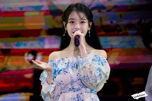191130 IU in Love, Poem Concert at Taipei