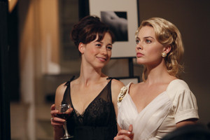1x13 - Romance Languages - Colette and Laura