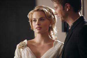 1x13 - Romance Languages - Laura and Graham
