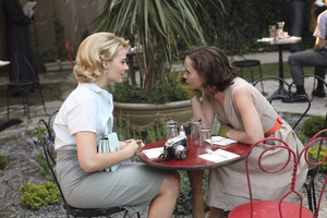 1x13 - Romance Languages - Laura and Maggie